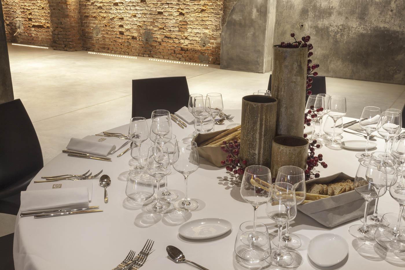 Allestimento tavoli Cascina Ranverso